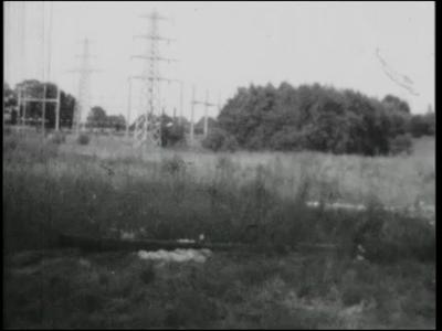 12152 BB02426 Een film uit 1969 over jongerengebouw Oesophagus aan de Campbellweg in Nijverdal, met beelden van de ...