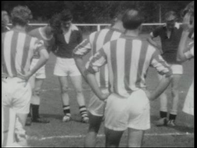 12441 BB01896 Een film rond voetbalvereniging SV Hector, 'de greun witt'n' uit Goor, met beelden van diverse ...