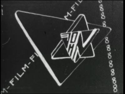 12458 BB01913 Een film rondom confectieatelier Forsthövel, met beelden van de productie, waaronder het snijden, naaien ...