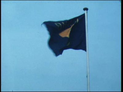 12773 BB01938 Een film rond de Deventer Hockey Vereniging, met beelden van o.a.:- Wapperende vlaggen van de Koninklijke ...