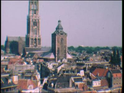 12793 BB02491 Een film met beelden van de Dom te Utrecht, de kaasmarkt te Alkmaar, een kamper ui-dag en het station te ...
