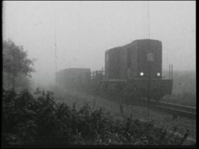 13090 BB01967 Een film met beelden van een verjaardagspartijtje en het bezoek aan pretpark De Waarbeek in 1959, en ...