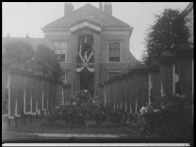 13110 BB01987 Samenvatting:Compilatiefilm van de familie Kappelle uit Deventer, met onder meer een optocht ter ere van ...