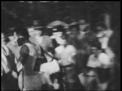 13122 BB02527 Samenvatting: Fragmenten uit de film van Leni Riefenstahl over de Olympische spelen in Berlijn in 1936 ...