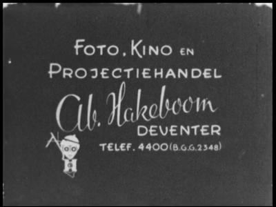 13138 BB02543 Samenvatting: Reportage over de begrafenis van door de Duitsers gefusilleerde verzetsmensen en een ...