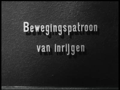 13159 BB03100 Instructiefilm over de werkmethode van het inrijgen bij de firma J.F. Scholten en Zn. te Enschede. ...