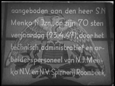 13183 BB03124 Samenvatting: Documentaire over het productieproces bij de textielfabriek N.J. Menko en Spinnerij ...