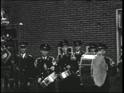 13423 BB02011 Een film rond de viering van het 100-jarig bestaan van de Haaksbergse Schutterij op 4 sept. 1951, met ...