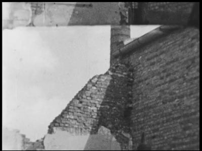 13455 BB02572 Samenvatting: Reportage over de wederopbouw na de Tweede Wereldoorlog van het fabriekspand van de ...