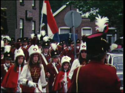13786 BB02616 Een film met beelden van een carnavalsoptocht., 1972-00-00