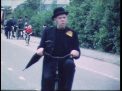 13787 BB02617 Een film met beelden van een carnavalsoptocht., 1972-00-00