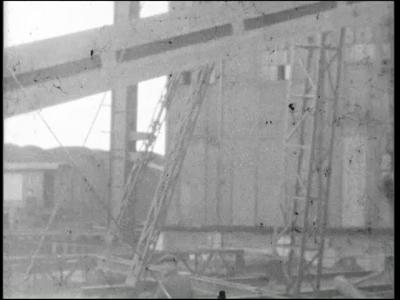 13939 BB01051 Een film rondom de bouw van het Twentsch Centraal Station te Hengelo, met beelden van verschillende ...