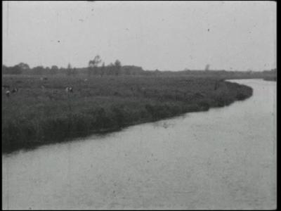 14533 BB11093 Een film met diverse beelden in en rond Ommen:- Het buitengebied van Ommen met de kolk/sluis in de ...