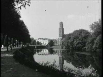 14541 BB11121 Een familiefilm met beelden van o.a.:- De Zwolse Sassenpoort;- De Caspar Fagelstraat in de wijk ...