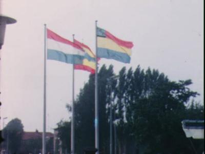 14659 BB02916 Deel 1 Opening Raadhuis Nijverdal. Deel 2 Raalte.Stoppelhaene 24 augustus 1972.Demonstratie dorsen door ...