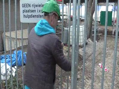 14705 BB09541.01 De renovatie van het Openlucht bad in Zwolle opgenomen op 2 DVD's .Diverse interviews met o.a Ronald ...