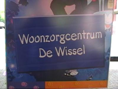 14721 BB04961 Een video-reportage van de officiële start van het project Geheugen in Beeld.Een projectteam bestaande ...