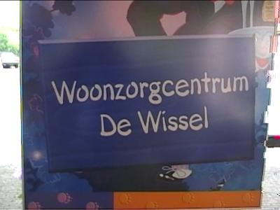 14724 BB04971 Ruw materiaal van een video-reportage van de officiële start van het project Geheugen in Beeld.Een ...