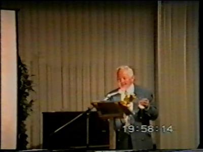 14870 BB08199.01 Een door het HCO genaakte DVD ter gelegenheid van 50 jaar bevrijding van Nederland.Foto's van ...