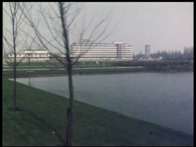 3652 BB03289 Reportage over het nieuwe Provinciehuis in Zwolle. Diverse beelden van het exterieur en het interieur van ...