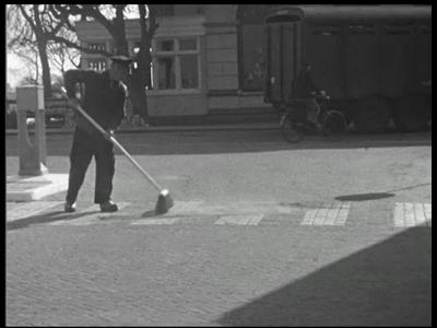 3657 BB03294 Een film rondom de feestelijke opening van de N48 Ommen - Raalte, de huidige N348, met beelden van o.a. de ...