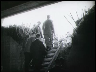 3660 BB03297 Een film met o.a. restopnames van de film 'De Weg Gebaand', een documentaire van Provinciale Waterstaat ...