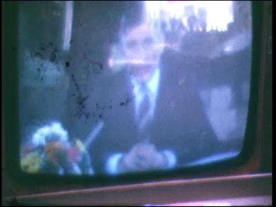3698 BB03793 Van tv opgenomen beelden van het defilé te Soestdijk uit 1971, met o.a. Koningin Juliana en minister Dries ...