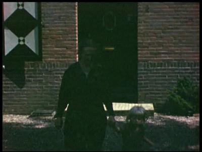 3922 BB09521 Een familiefilm van de familie Lamberts, met beelden van o.a.:- Bilthoven 1949, opa en oma met hun ...