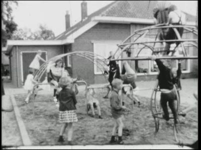 4211 BB03315 Tweede deel van een zg. Adolfsfilm over Diepenheim in 1967. Opnieuw worden veel personen met hun ...