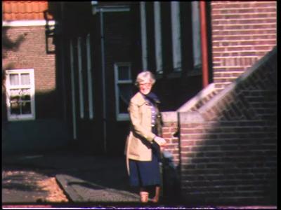 435 BB06759 Film rondom de aankomst van de heren van een Rotary club bij een hotel., 1978-00-00
