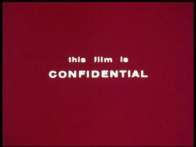 4373 BB05746 In deze instructiefilm van de Britse Marine wordt getoond hoe de positie van vijandelijke vliegtuigen kan ...