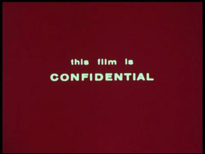 4374 BB05747 Deze documentaire film behandelt passieve elektronische oorlogsvoering bij de marine: het opsporen van ...