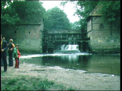 4388 BB06437 Een film over Twente van cineast G.J. ter Welle, gemaakt voor Huize Hölterhof te Enschede, met beelden, in ...