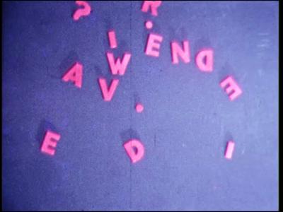 4458 BB07682 Een film rond een MTS te Deventer met diverse beelden van o.a.:- De titel 'R? N.O.E.?';- De tekst 'Wie van ...