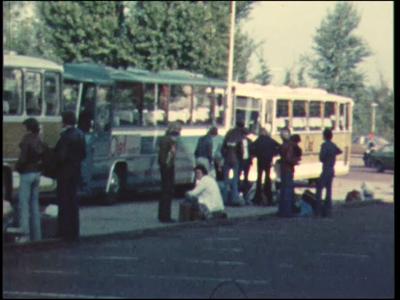 4470 BB07694 Een film rond een demonstratie van de Deventer MTS tegen de voorgenomen bezuinigingen in het ...