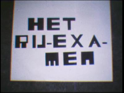 4479 BB07703 Een film van en met leerlingen van de Deventer MTS rond een niet geheel alcoholvrij rijexamen, met beelden ...