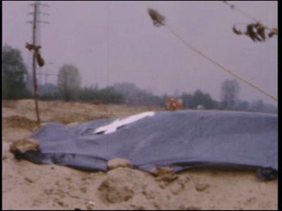 4484 BB07708 Losse filmfragmenten van en met leerlingen van de Deventer MTS, met beelden van o.a.:- De 'levend ...