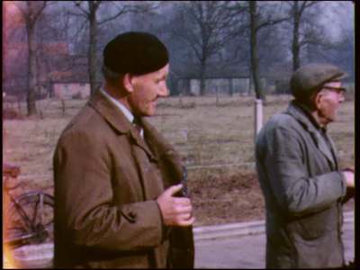 4815 BB03841 Beelden van de boomplantdagen uit 1964, 1969 ( met leerlingen van de JF Kennedy- en de Mgr. Bekkerschool), ...