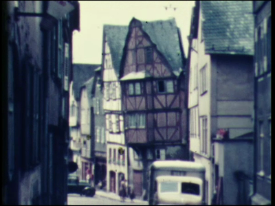 4875 BB04908 Vakantiefilm van de familie Schutte. Beelden van de stad Limburg an der Lahn. Klooster Arnstein aan de ...