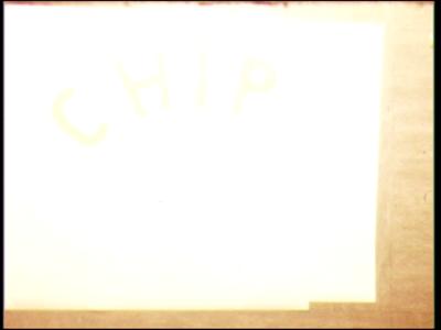 5027 BB07717 Een film met de tekst 'E 2C Chips, Hoofdrol C. de Vries', gevolgd door een donker gedeelte (ca. 2 minuten) ...