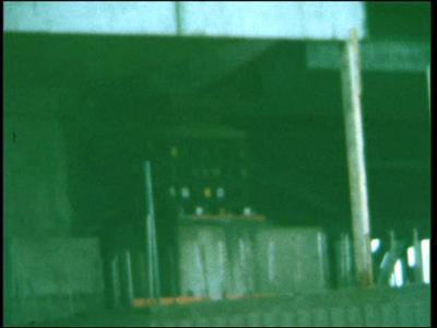 5029 BB07719 Een film met diverse beelden van o.a.:- De spoorbrug over de IJssel;- Een kanaal;- De tekst 'Dick, Peter, ...