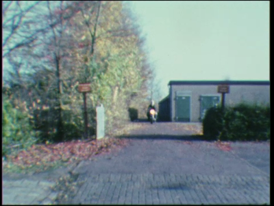 5032 BB07722 Een film van en met leerlingen van de Deventer MTS, rond een bezoek aan de plaatselijke horeca, met ...