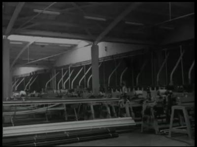 6723 BB07179 Een bedrijfsfilm van kunststofproducent Wavin uit Hardenberg, met beelden van de tekst 'Plastic like....', ...