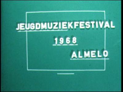 7169 BB05054 Diverse privébeelden van o.a. een jeugdmuziekfestival te Almelo, van uitstapjes naar Flevoland, met de ...