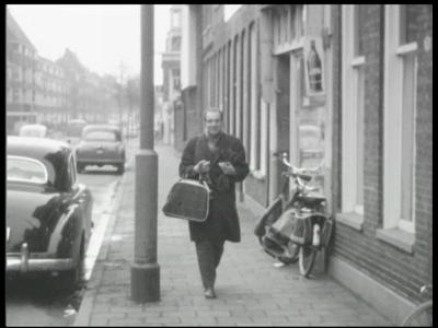 7904 BB08057 Zeven familiefilmpjes van de familie Lamberts.1. De Kast (14-01):- Een aan de kant geparkeerde Mercedes;- ...