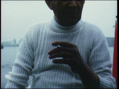 8395 BB06703 Een film rond een boottocht over het Zwarte Water, met beelden van Zwolle, Hasselt, met de ...