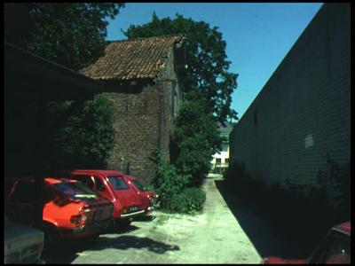 8459 BB08079 Drie familiefilmpjes van de familie Lamberts.1. t/m maart 1977:- De Almelose binnenstad;- De achtertuin ...