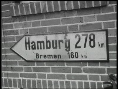 8970 BB06746 Film over een uitstapje van een gezelschap Nederlanders, uit Enschede of uit Hengelo, aan Duitsland., 1950-00-00