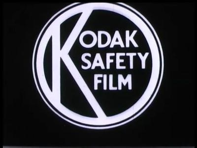 9452 BB02142 Een film van de Heemaf over hun nieuwe stofzuiger, met beelden van het productieproces, het gebruik van de ...