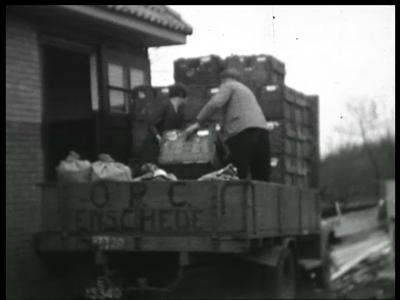 9822 BB02188 Een film, eind jaren dertig, rond de Enschedese vestiging van de Oostelijke Pluimvee Coöperatie (OPC), met ...
